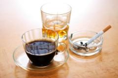 Курение и алкоголь портят форму груди