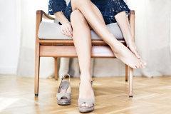 Как разносить тесную обувь быстро?