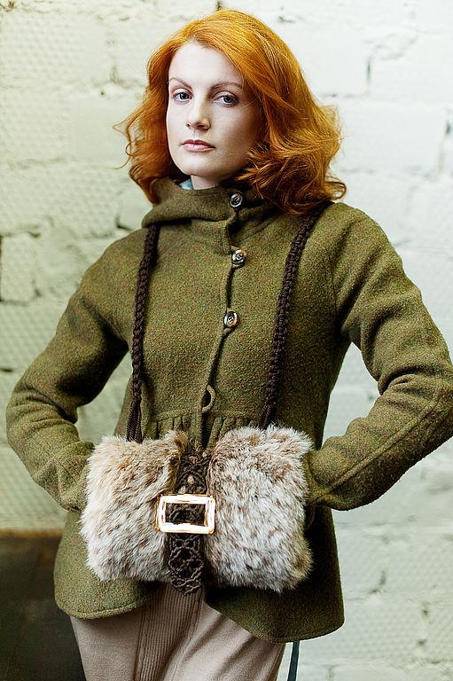 Модный тренд: меховая муфта