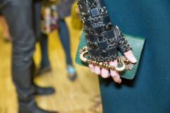 Красота в деталях! Модный декор обуви и сумок зимы