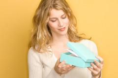 Как мужчины выбирают нам подарки