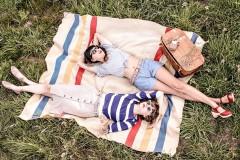 Косметические must-have: какие средства взять с собой на пикник