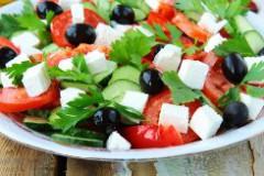 Готовим греческий салат и пастицио
