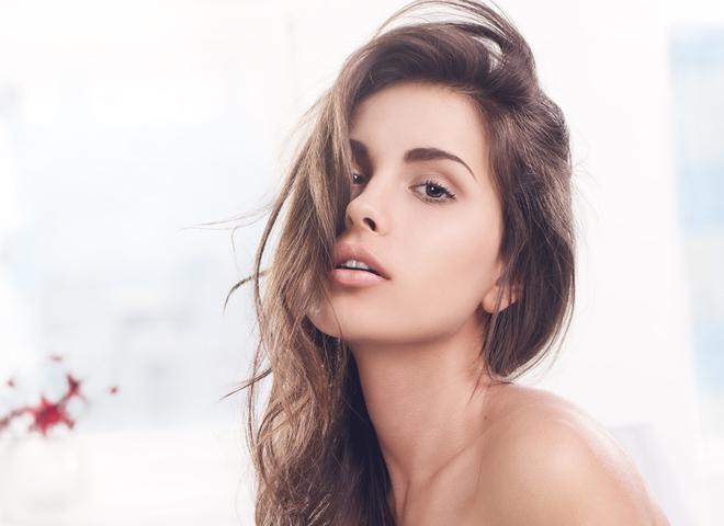 Уход за волосами зимой: как сохранить их красоту
