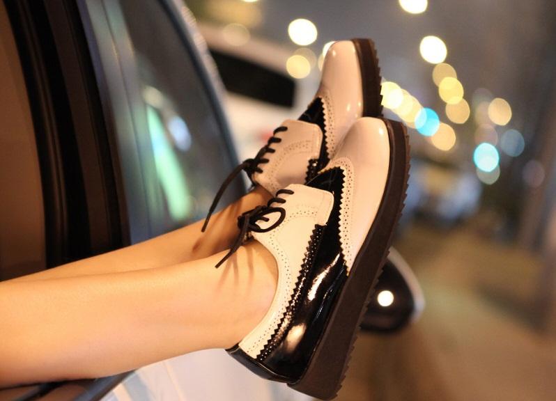 Хит сезона: обувь и сумки из лакированной кожи