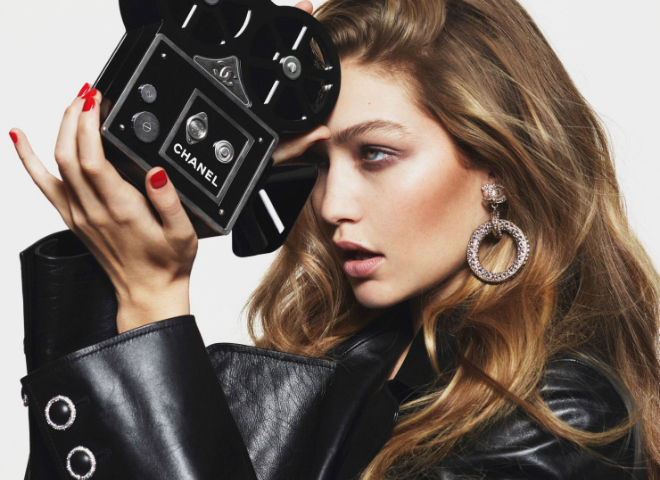 Джиджи Хадид снялась для обложки французского Vogue