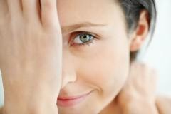 Эффективный уход за кожей вокруг глаз