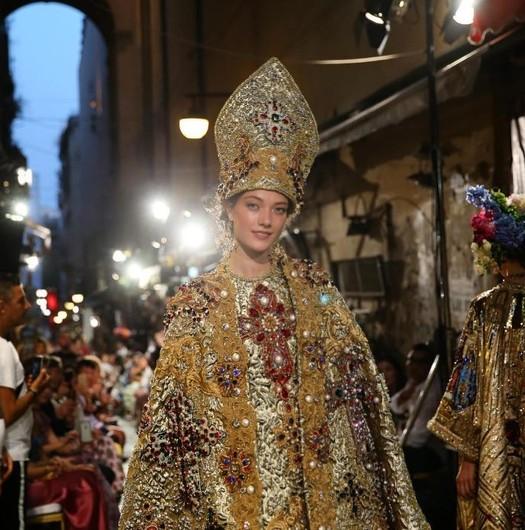 Софи Лорен стала музой закрытого показа Dolce&Gabbana