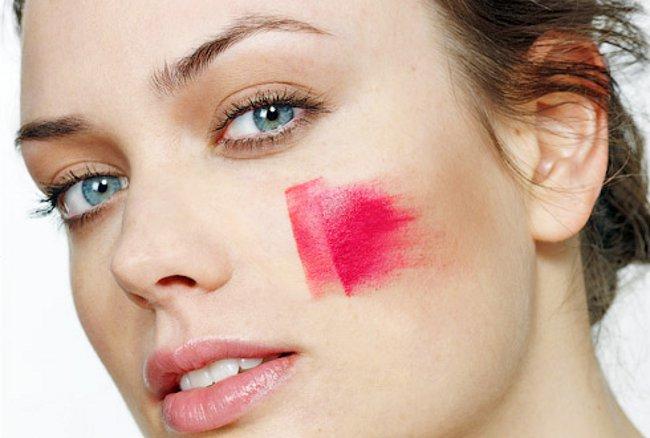 Основные ошибки, которые допускают женщины при нанесении макияжа
