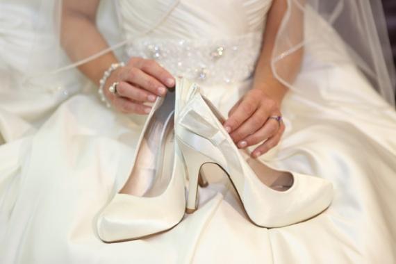 Свадебные накидки и обувь: как выбрать?