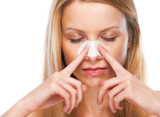 Черные точки на носу: как избавиться