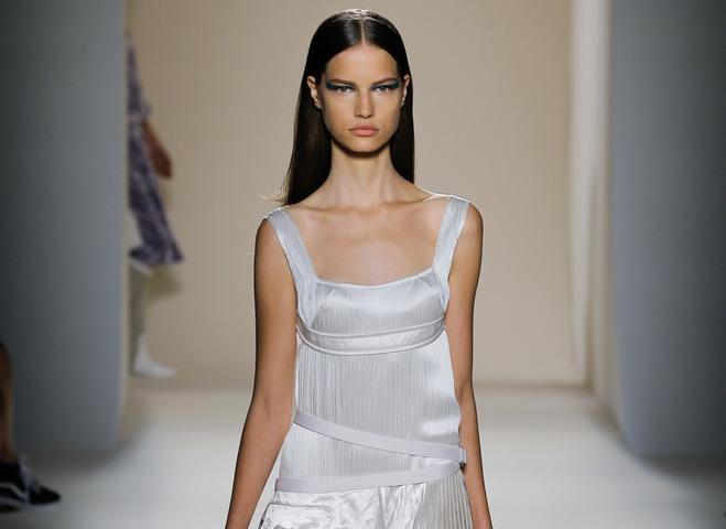 Виктория Бекхэм представила весенне-летнюю коллекцию