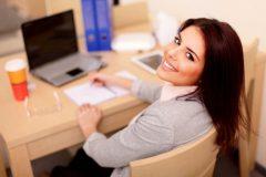 Офисные будни: чем сидячая работа опасна для здоровья?