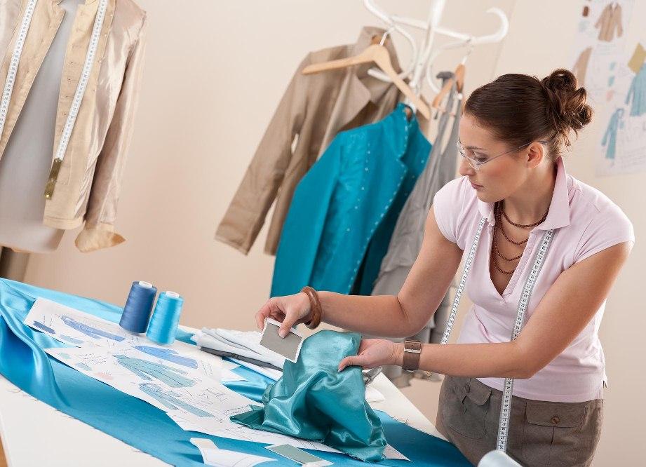 Легко ли стать дизайнером женской одежды?