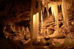 Молчаливое великолепие Кунгурской ледяной пещеры