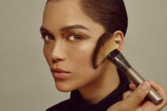 Как часто нужно менять косметику и инструменты для макияжа?