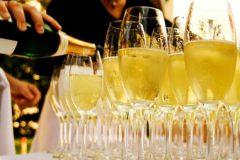 Какие напитки провоцируют появление целлюлита?