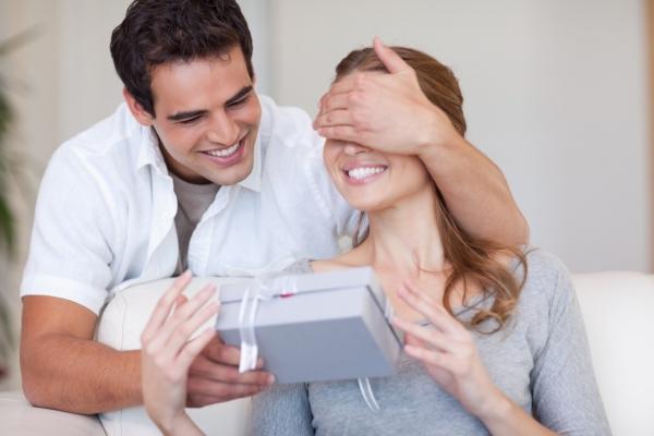 Муж не хочет дарить подарки 431