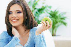 Топ-7 продуктов, которые помогут перенести жару