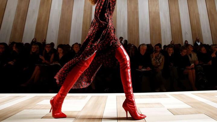 Тренд сезона: красная обувь