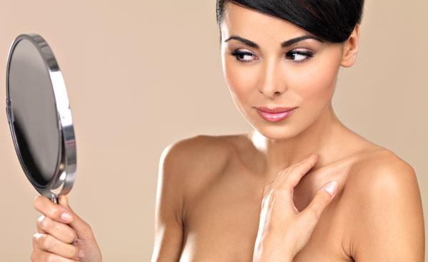 Физические и химические эксфолианты: какой выбор лучше для кожи