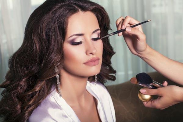 10 основных средств для макияжа