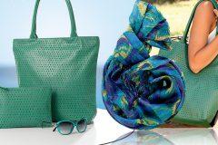 Стильный образ с помощью шарфа и сумки