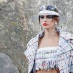 Кайя Гербер открыла показ Chanel