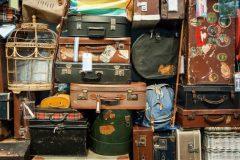 Хочешь выбросить ненужные вещи? Лучше воспользуйся обменом вещей на новые и нужные!