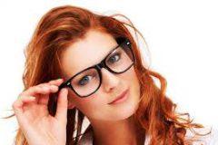 Избегайте ошибок при макияже с очками