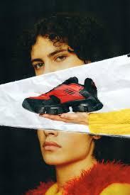 Prada выпустили новые футуристичные кроссовки
