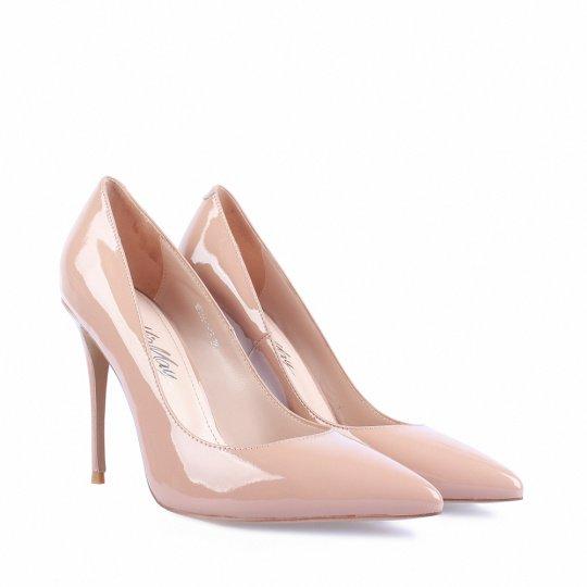 Лакированные туфли в современном женском гардеробе