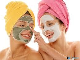 Очищающая маска для лица: использование в домашних условиях.
