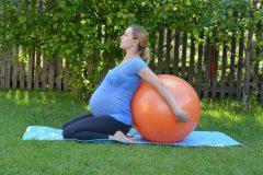 Безопасные упражнения на открытом воздухе для беременных
