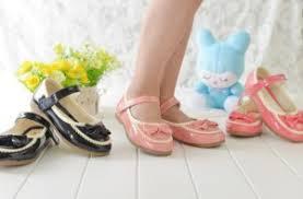 Как выбрать правильную обувь для девочки