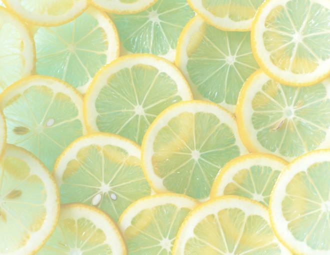 10 преимуществ лимонного сока