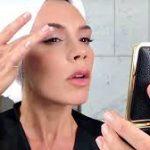 Виктория Бекхэм выпустила линейку средств для макияжа