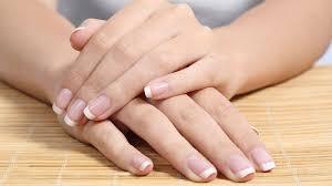 Как сохранить ногти крепкими?