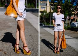 Как выглядеть выше: правила гардероба для невысоких девушек