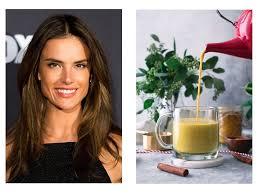Рецепт витаминного напитка от Алессандры Амбросио
