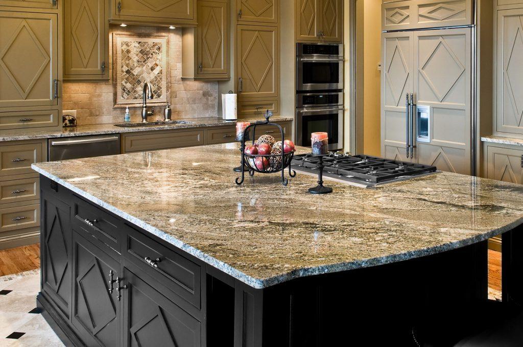 Каменные столешницы в интерьере вашей кухни