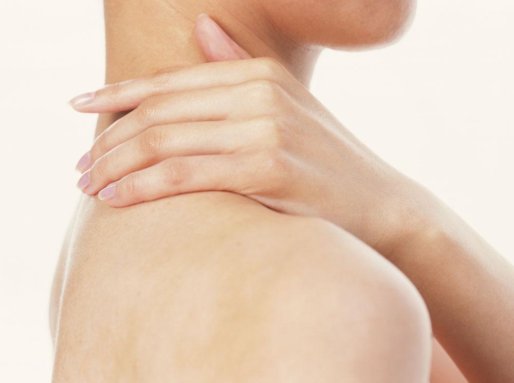 5 проблем с кожей, которые можно решить при помощи вазелина