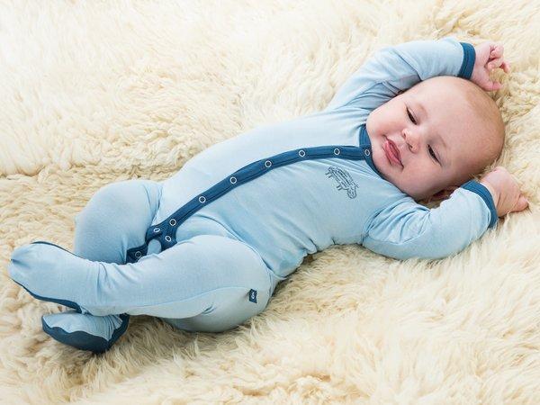 Одежда для новорожденных: выбираем детские боди