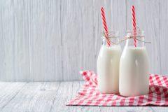 Продукты, которые вы употребляете с молоком, не зная, что это опасно для здоровья