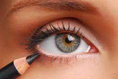 5 быстрых способов скрыть красноту и усталость глаз