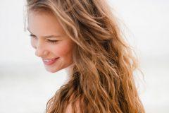 Как ухаживать за волосами летом: советы экспертов