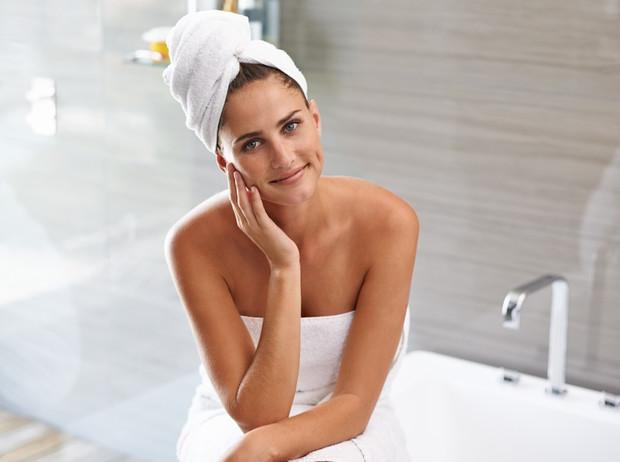 С чистого листа: как правильно ухаживать за кожей после душа