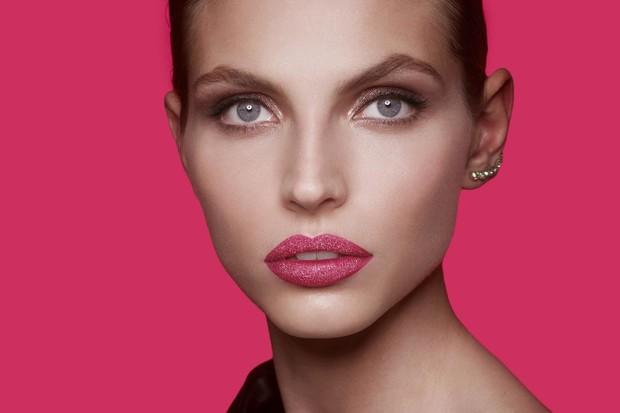 Из матового в блестящий: блески для губ, которые меняют эффект при поцелуе