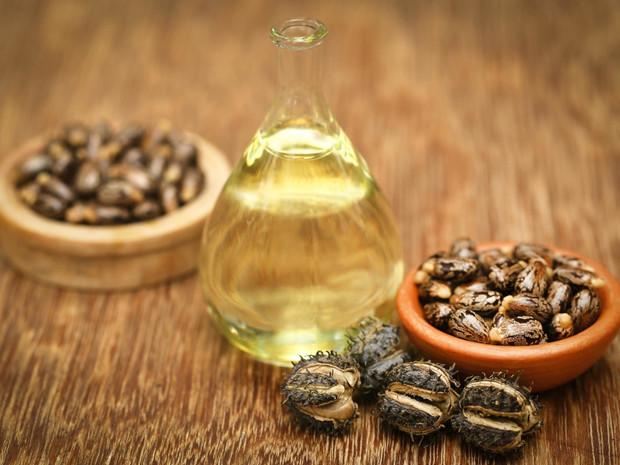 Касторовое масло: 6 незаменимых свойств для красоты и здоровья