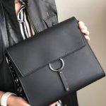 Объект желания: культовая сумка Versus Buckle